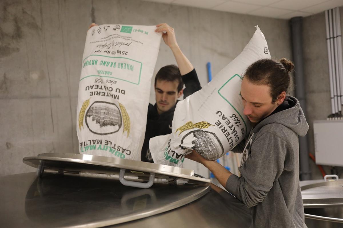 Brasserie HUB Roubaix : préparation du brassin. Photo : Anouk Desury