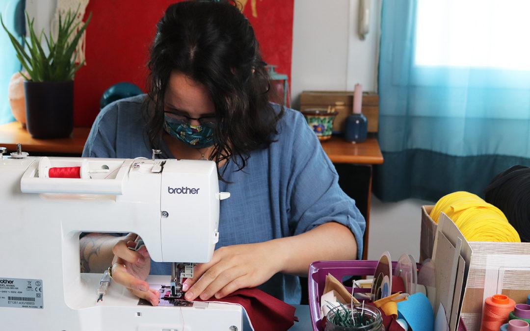 Masques solidaires : l'art du cousu main en coopérative
