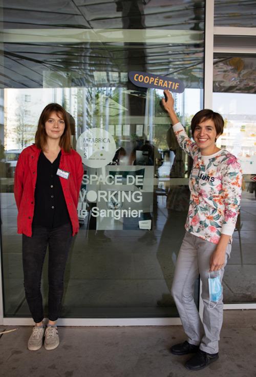 Laura et Charlotte -Espace de coworking - MonsFabrica