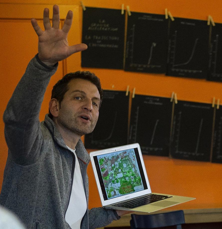 Pierre Wolf à Baraka, expliquant le projet de Ferme urbaine du Trichon (Photo : Hernan Ameijeiras)
